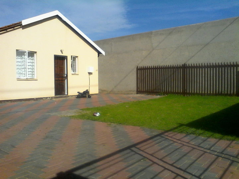 Vanderbijlpark & Ext property for sale. Ref No: 13443960. Picture no 6