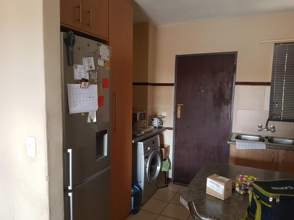 Akasia property for sale. Ref No: 13553017. Picture no 7