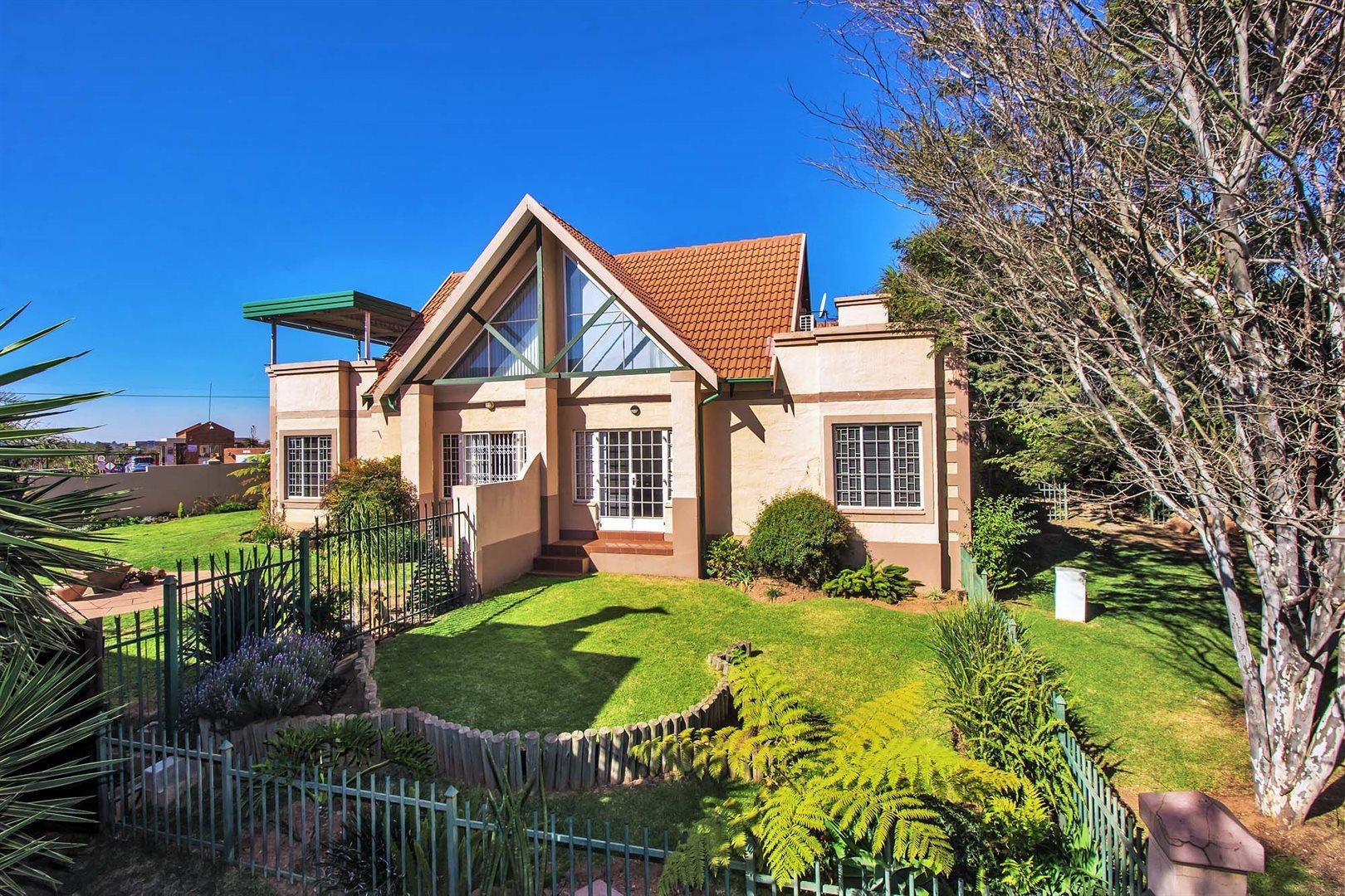 Pretoria, Rietvalleirand Property  | Houses For Sale Rietvalleirand, Rietvalleirand, Townhouse 1 bedrooms property for sale Price:795,000
