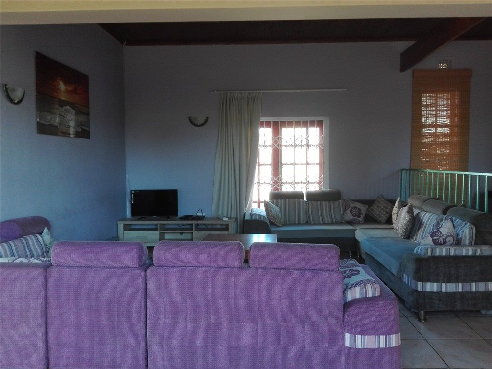 Uvongo property for sale. Ref No: 13360295. Picture no 28