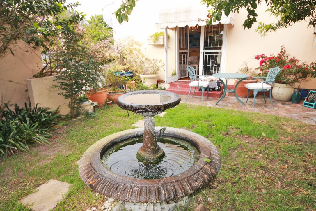 Property and Houses for sale in Pinelands, House, 4 Bedrooms - ZAR 2,550,000