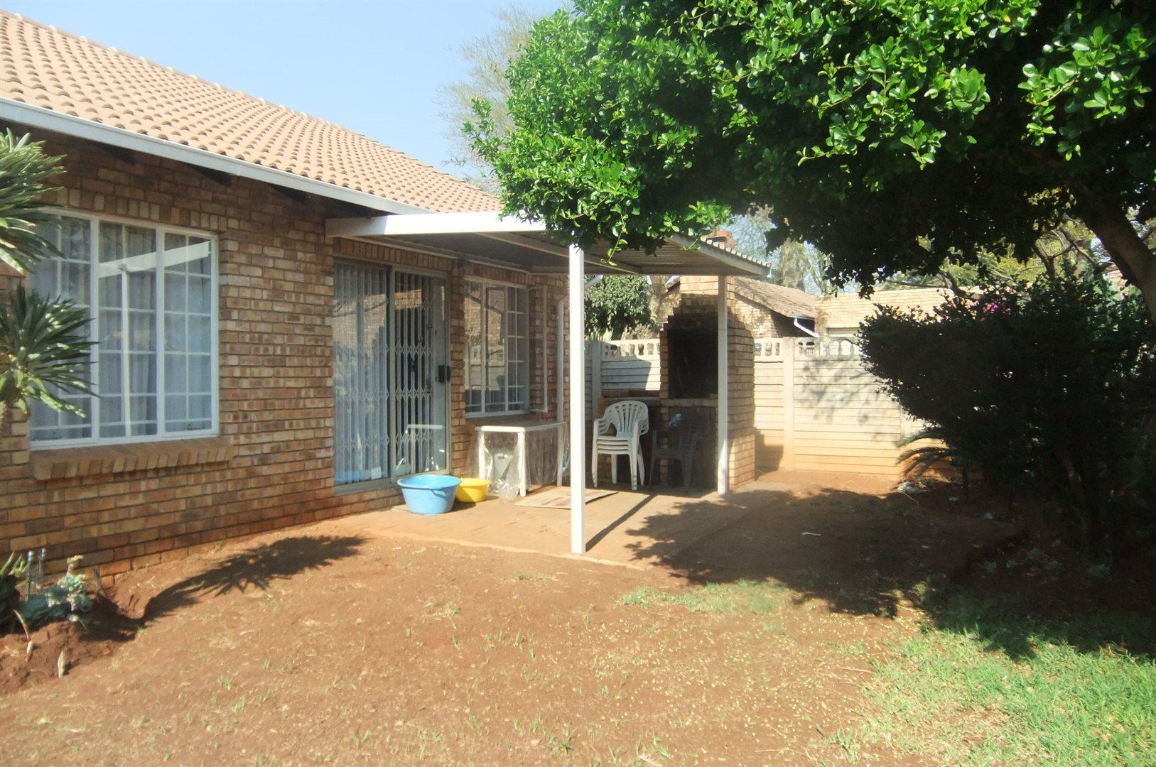 Doornpoort property for sale. Ref No: 13529208. Picture no 1