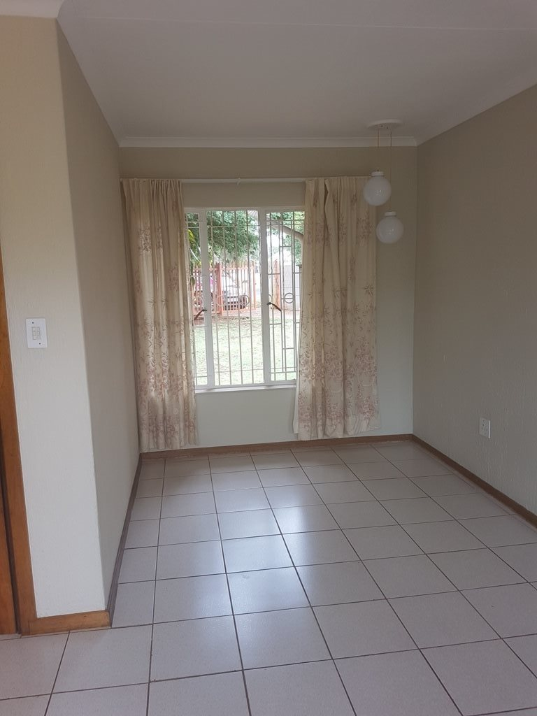Clarina property for sale. Ref No: 13568234. Picture no 4