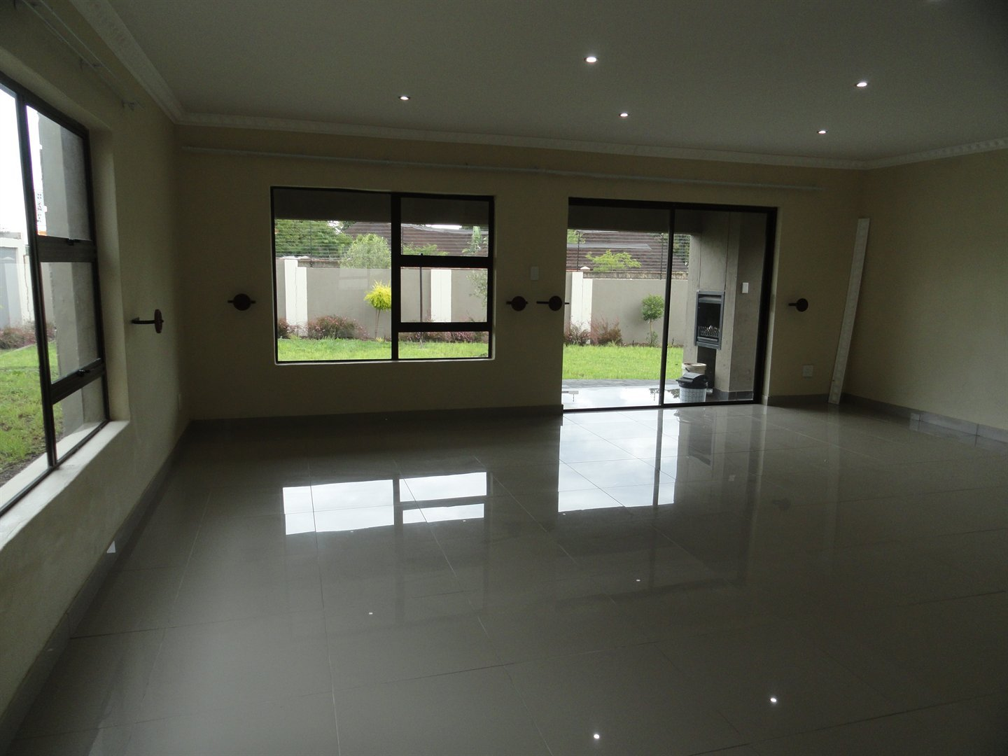 Willow Acres Estate property for sale. Ref No: 13473861. Picture no 3