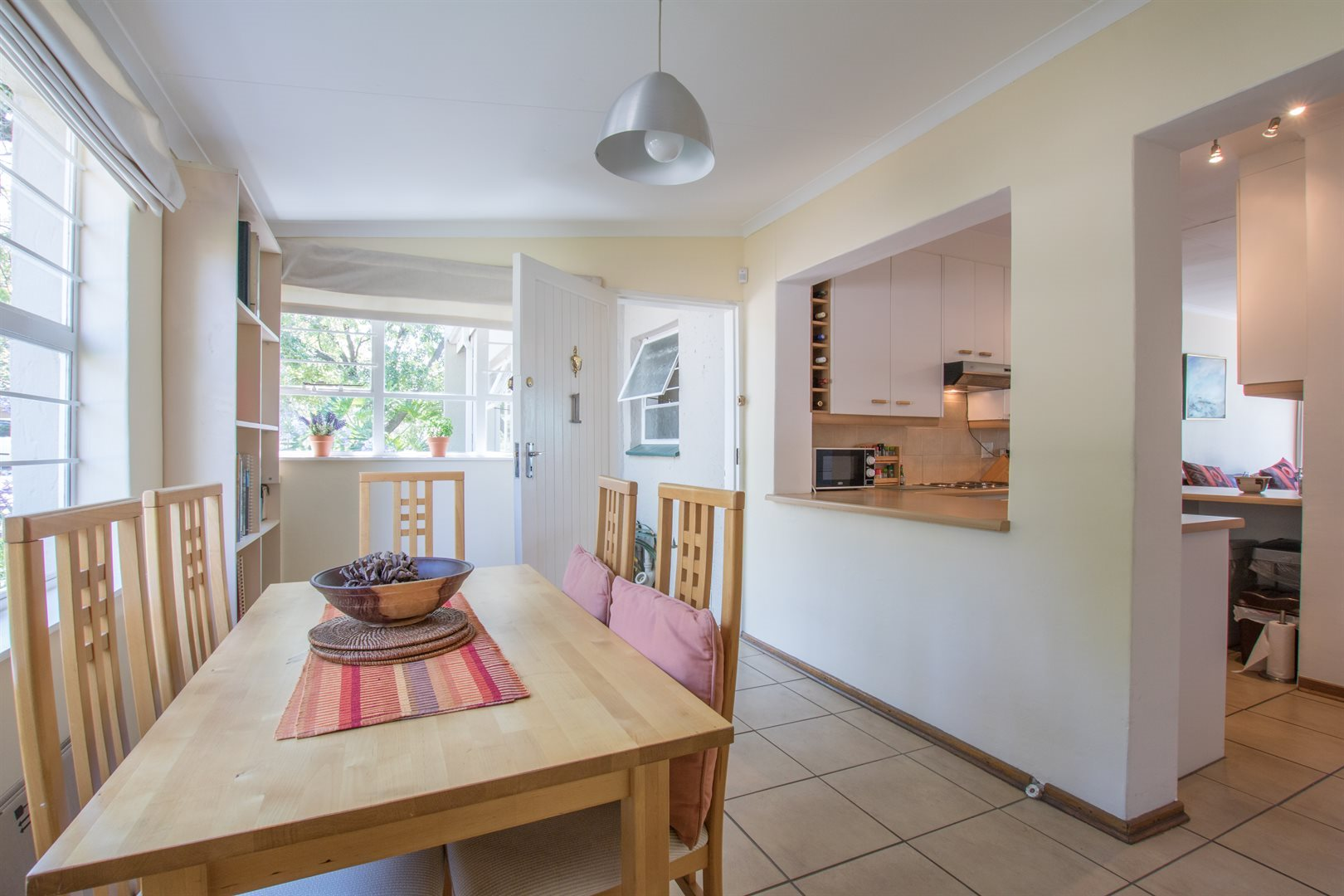 Lonehill property for sale. Ref No: 13566031. Picture no 7