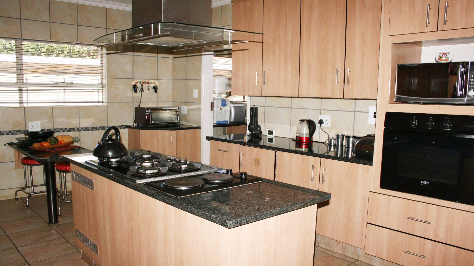 Helikonpark property for sale. Ref No: 13537831. Picture no 11