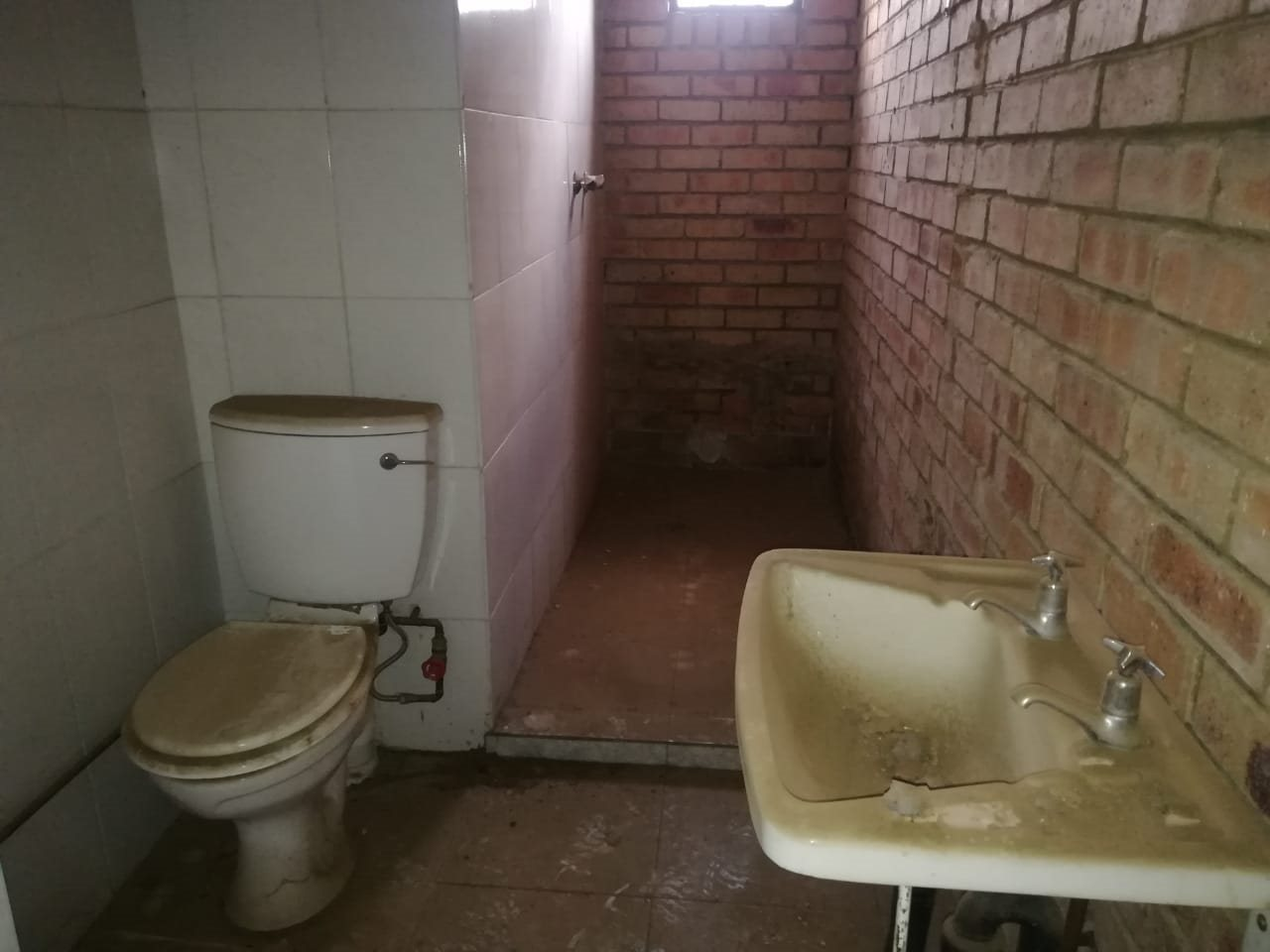 Devland property for sale. Ref No: 13711002. Picture no 32