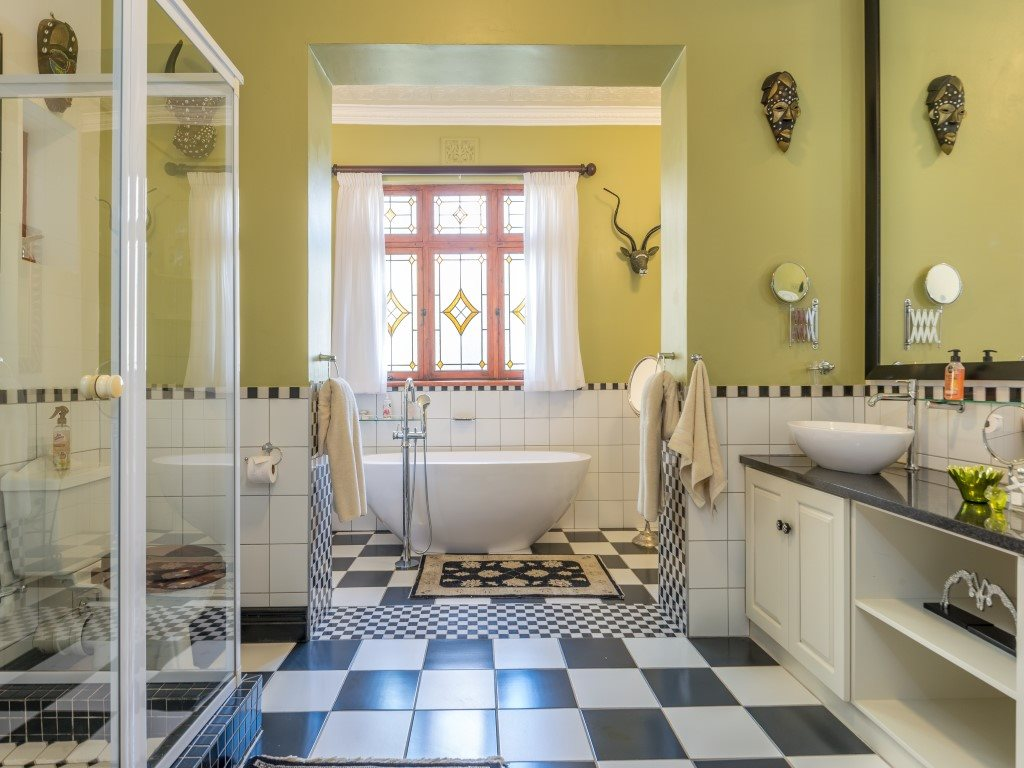 Franschhoek property for sale. Ref No: 13327931. Picture no 10