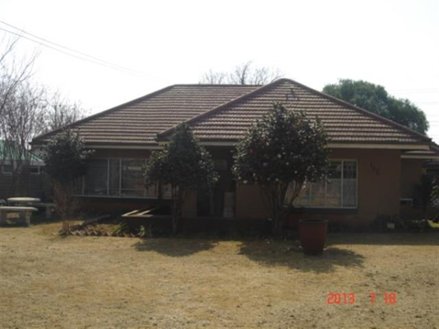 Three Rivers property for sale. Ref No: 13229824. Picture no 1