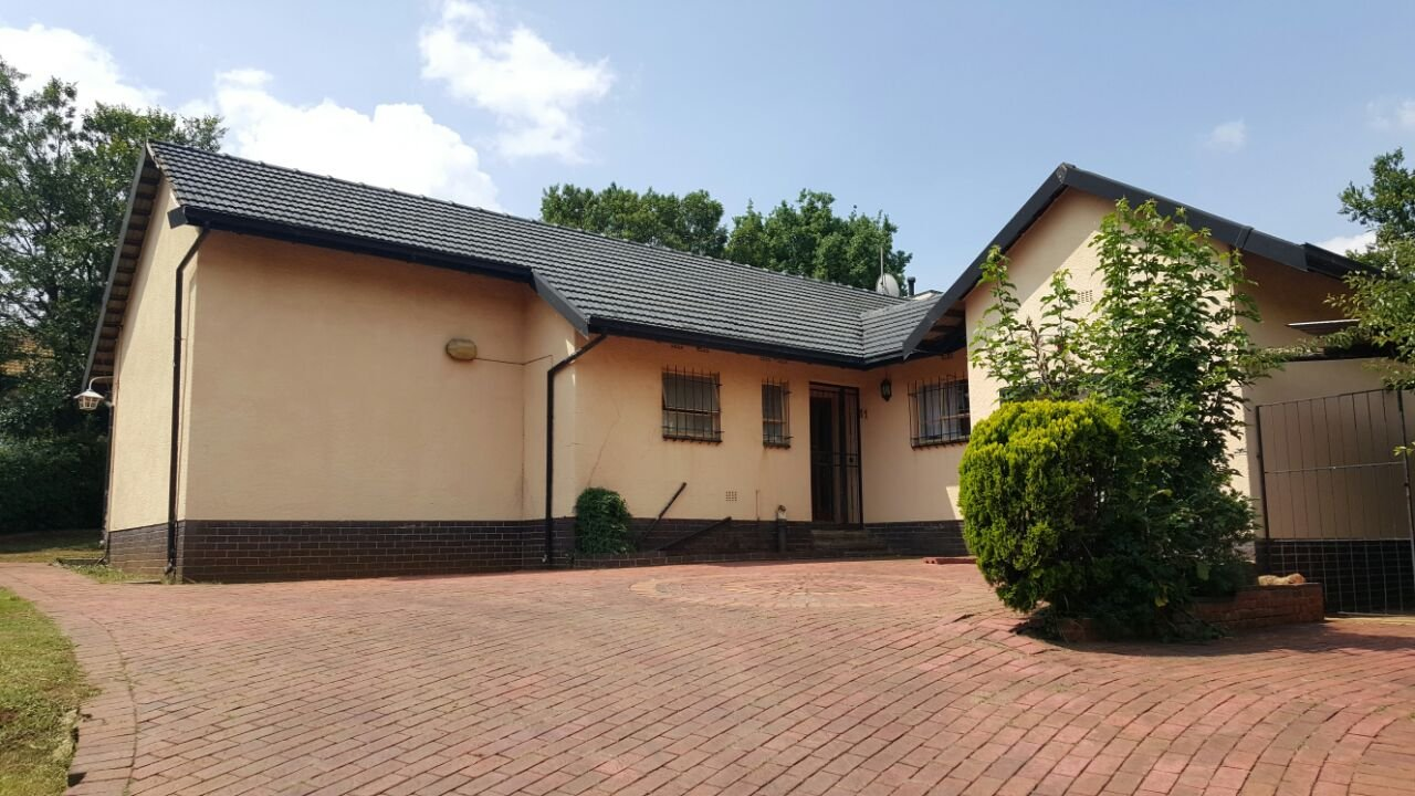 Johannesburg, Alan Manor Property  | Houses For Sale Alan Manor, Alan Manor, House 3 bedrooms property for sale Price:1,295,000