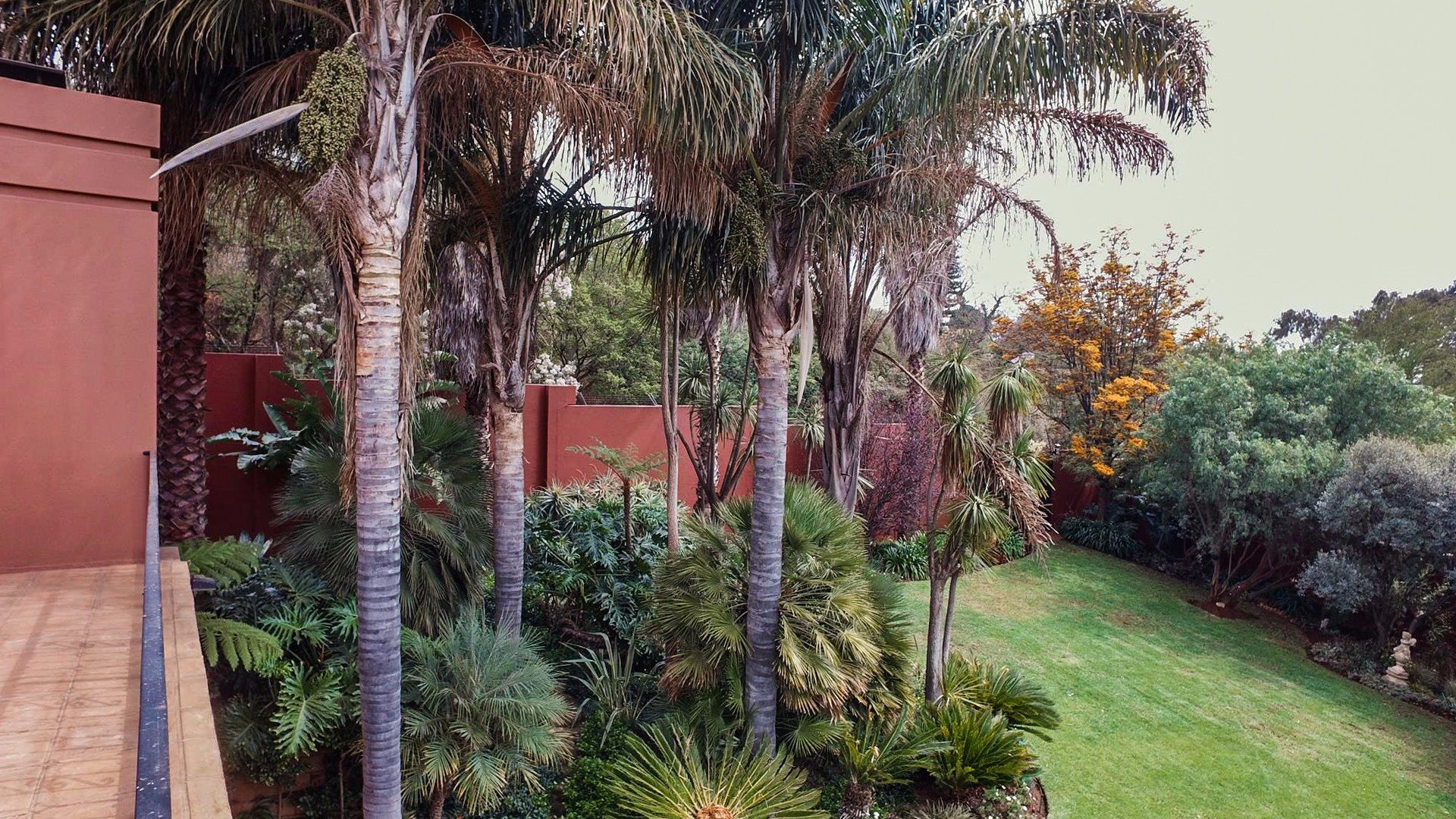 Northcliff property for sale. Ref No: 13537074. Picture no 27