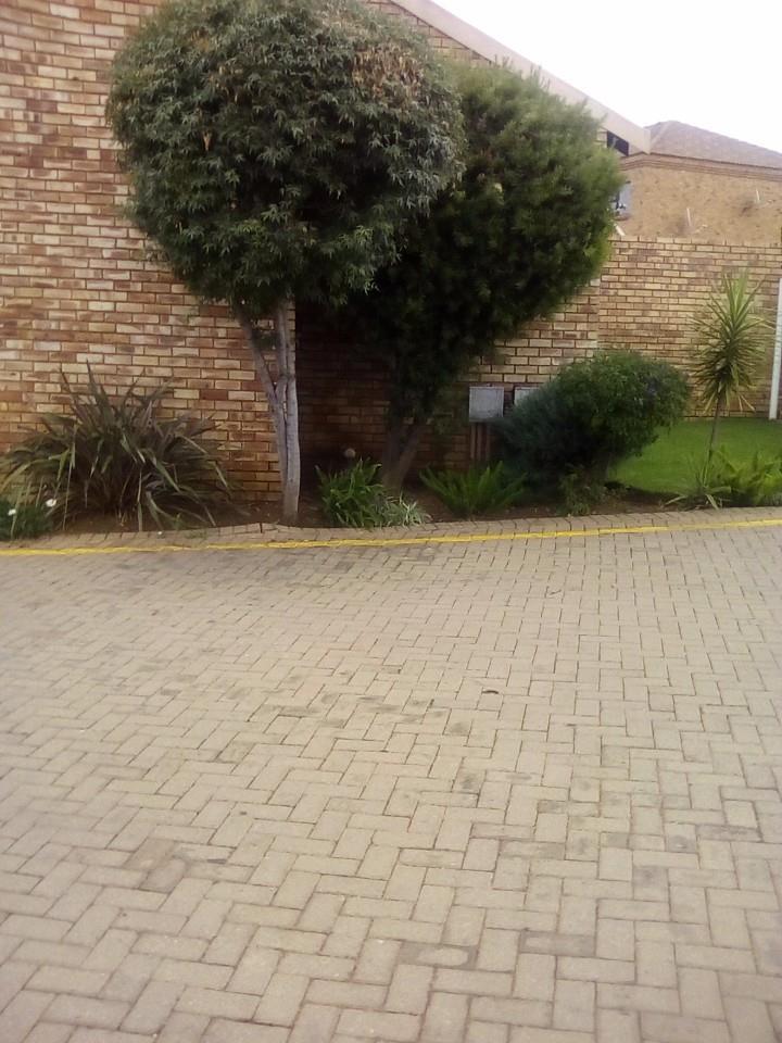 Johannesburg, Liefde En Vrede Property  | Houses For Sale Liefde En Vrede, Liefde En Vrede, Townhouse 3 bedrooms property for sale Price:1,150,000