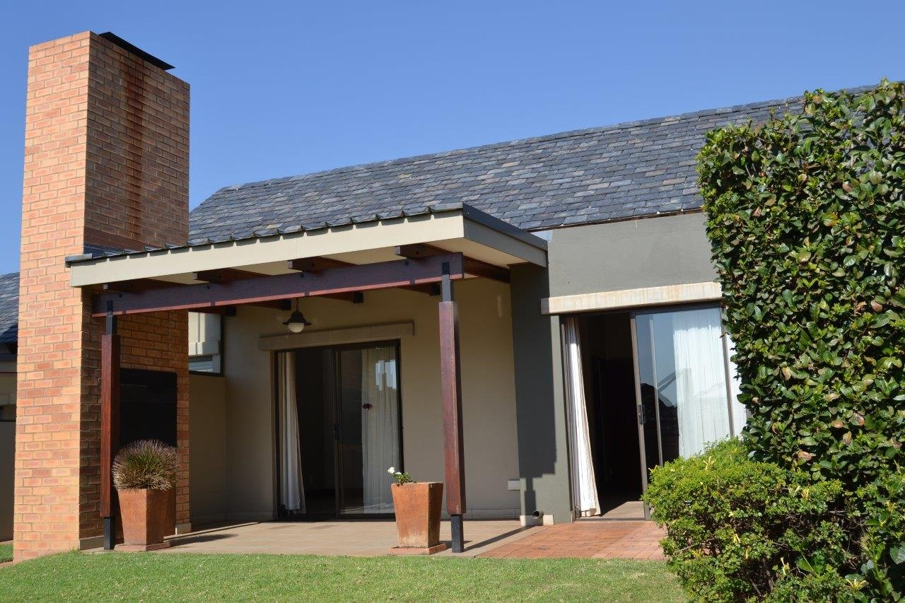 Property and Houses for sale in Retire At Midstream, Townhouse, 1 Bedrooms - ZAR 1,750,000