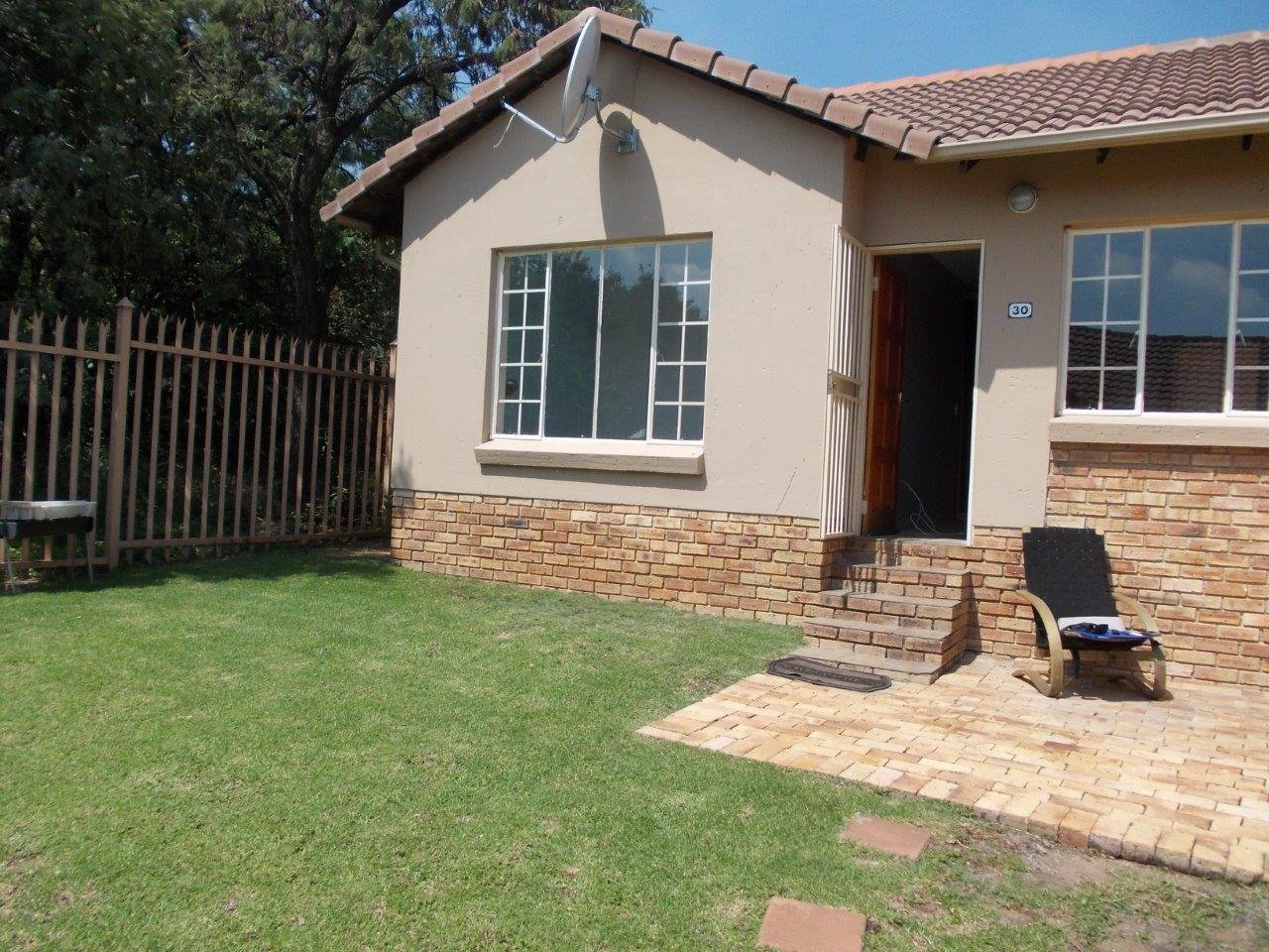 Property to Rent by Magda Uys, Apartment, 2 Bedrooms - ZAR ,  6,00*,M