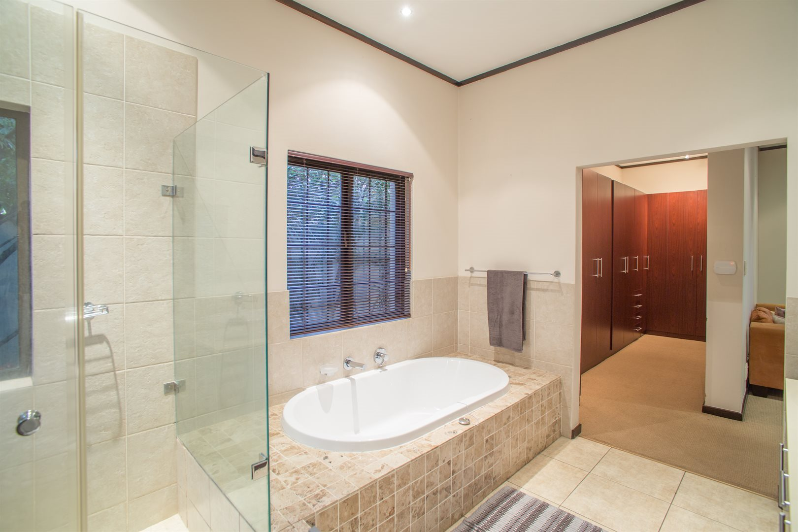 Lonehill property for sale. Ref No: 13529904. Picture no 14