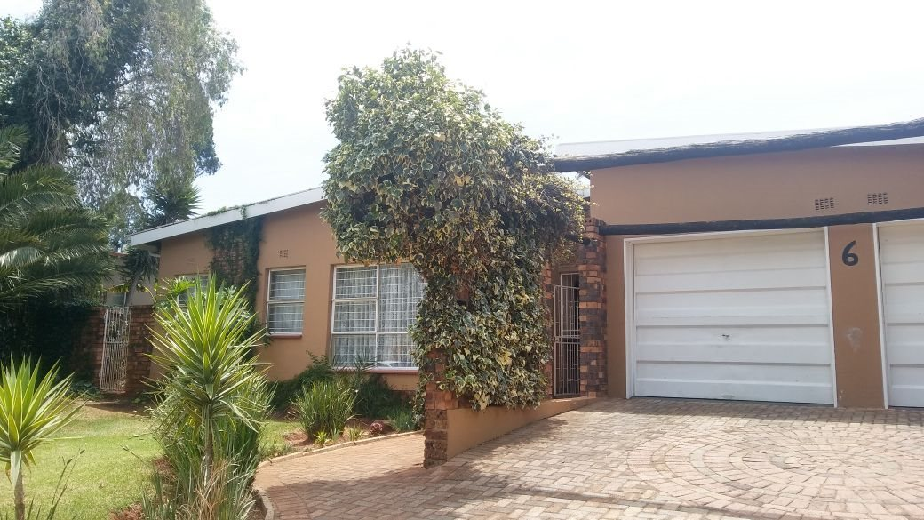 Krugersdorp, Dan Pienaarville Property  | Houses For Sale Dan Pienaarville, Dan Pienaarville, House 4 bedrooms property for sale Price:998,000