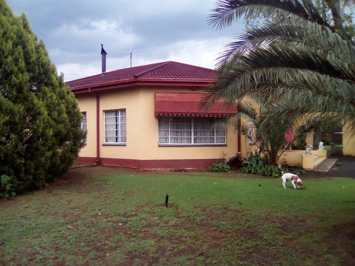 Bloemfontein, Estoire Property  | Houses For Sale Estoire, Estoire, Farms 4 bedrooms property for sale Price:2,150,000