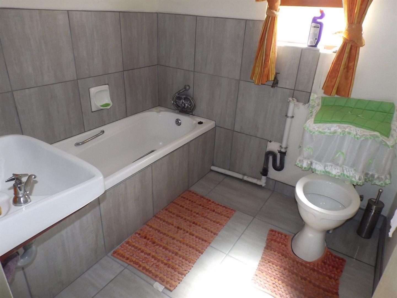 Property for Sale by DLC INC. ATTORNEYS Ernest De La Querra, House, 3 Bedrooms - ZAR 795,000
