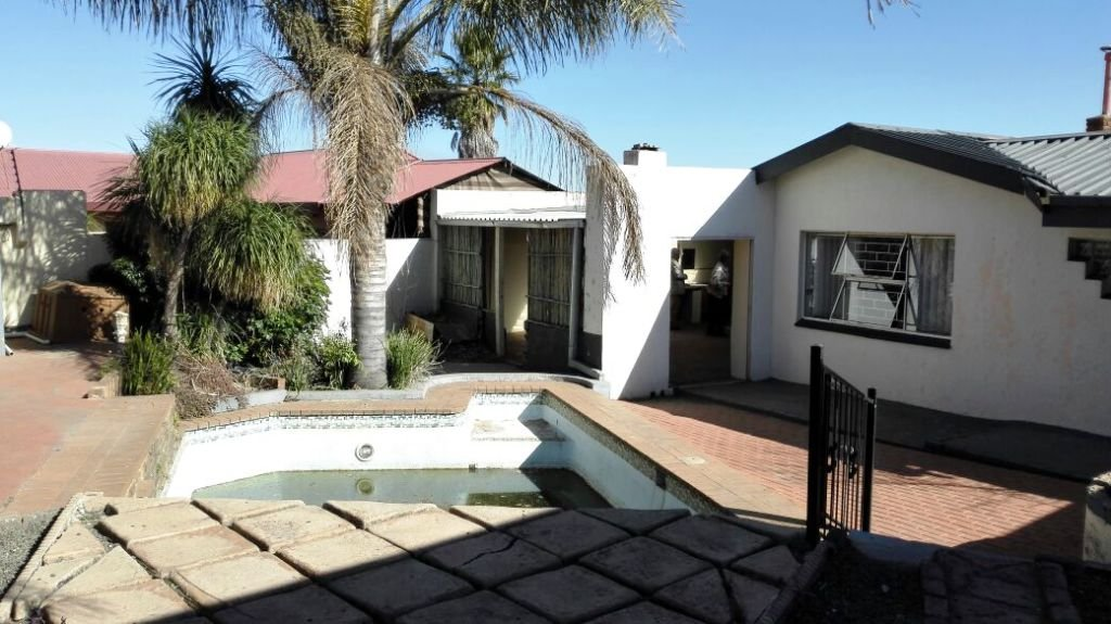 Krugersdorp, Quellerie Park Property  | Houses For Sale Quellerie Park, Quellerie Park, House 3 bedrooms property for sale Price:860,000