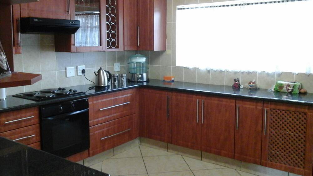 Three Rivers East property for sale. Ref No: 13300046. Picture no 2