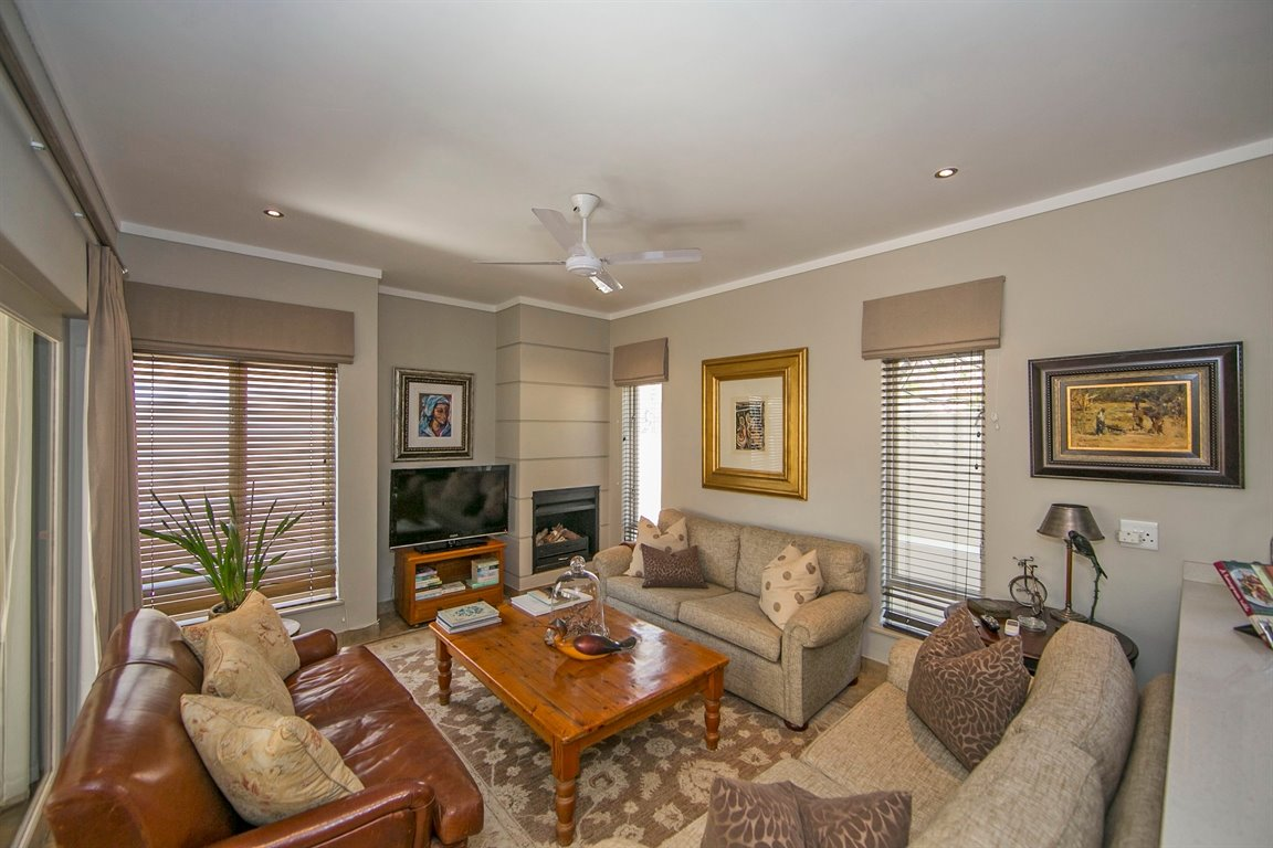 Fourways property for sale. Ref No: 13383649. Picture no 6