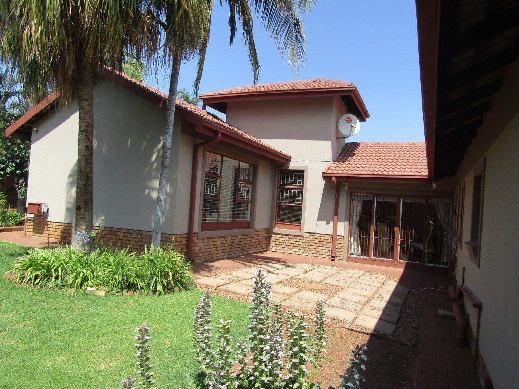 Pretoria, Amandasig Property    Houses For Sale Amandasig, Amandasig, House 4 bedrooms property for sale Price:1,870,000