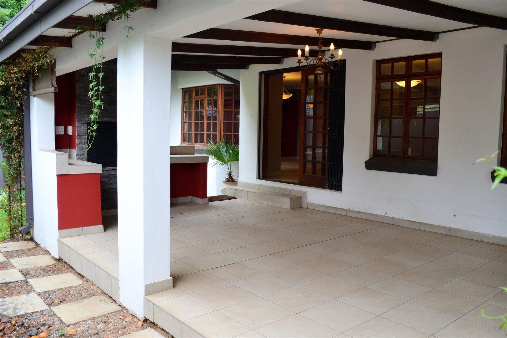 Pretoria, Menlyn Property    Houses To Rent Menlyn, Menlyn, House 4 bedrooms property to rent Price:, 17,00*