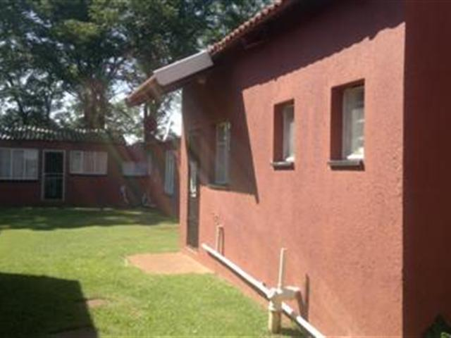 Glen Donald A H property for sale. Ref No: 13286631. Picture no 10